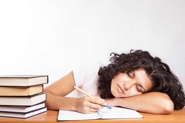 Nedostatak sna i pospanost su opasnost za učenje